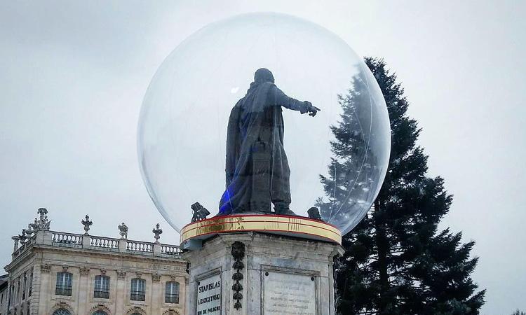 Mettre une statue dans un bulle