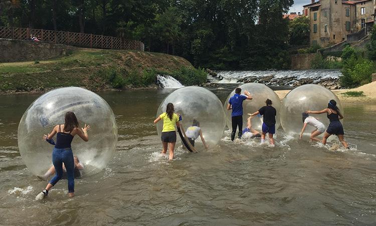 bulles sur l'eau teambuilding