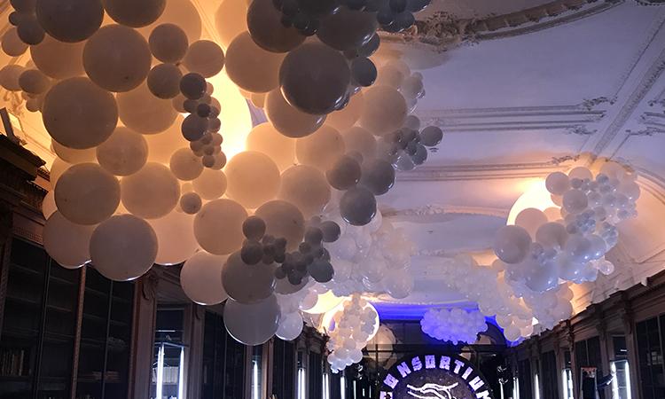 décoration événementielle, installation ballons de baudruche