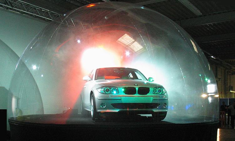 demi-sphère, véhicule dans une bulle