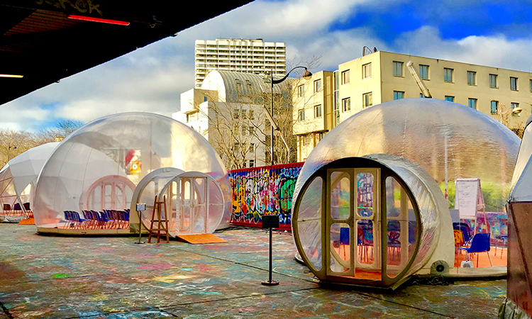 bulle geante transparente
